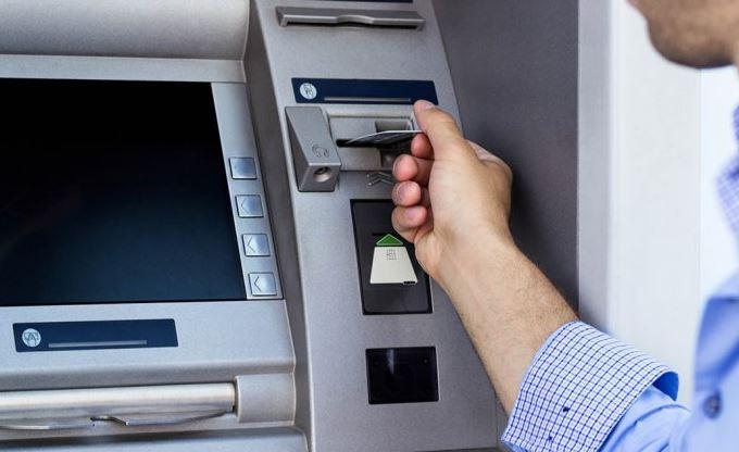 bankamatige-param-sikisti-ne-yapmaliyim